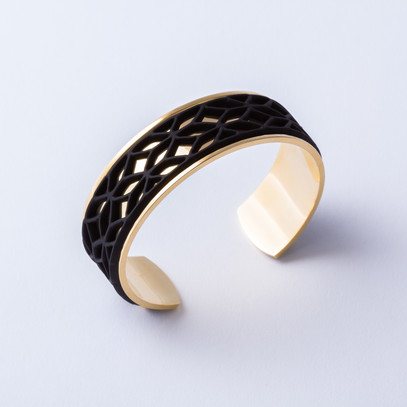 Gold cuff with Lace black accent